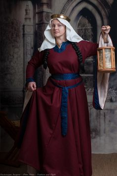 Posts about Medieval clothing written by A damsel in this dress Medieval Costume, Medieval Dress, Medieval Fashion, Medieval Clothing, Historical Costume, Historical Clothing, Historical Photos, Damsel In This Dress, Haute Couture Fashion