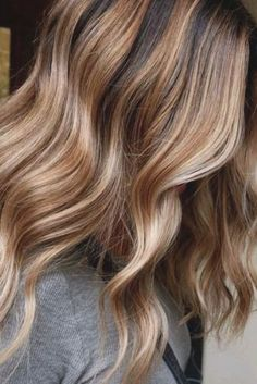 Brunette With Blonde Highlights, Fall Blonde Hair, Hair Color Highlights, Balayage Brunette, Hair Color Balayage, Blonde Color, Balayage Hair Caramel, Hair Color Caramel, Caramel Blonde