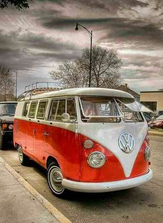 Beautiful VW split window bus