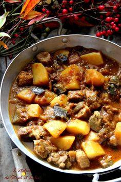 Sauté de porc aux saveurs orientales Good Enough To Eat, Flan, Pot Roast, Meat Recipes, Chili, Bacon, Curry, Pork, Food And Drink