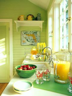 Inspiring Summer Interiors: 50 Green and Yellow Kitchen Designs : 50 Green And Yellow Kitchen Designs With White Green Kitchen Wall Sink Oven Stove Window Wash Basin Wooden Door Cabinet Glass Plate And Hardwood Floor Yellow Kitchen Designs, Colorful Kitchen Decor, Kitchen Colors, Design Kitchen, Country Kitchen, New Kitchen, Vintage Kitchen, Kitchen Dining, Happy Kitchen