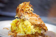 PEČENÝ KRÁLÍK CIBULÁČ Lasagna, Cauliflower, Menu, Vegetables, Ethnic Recipes, Food, Menu Board Design, Cauliflowers, Essen