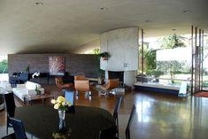 Dream House | Silvertop | Una casa alla James Bond