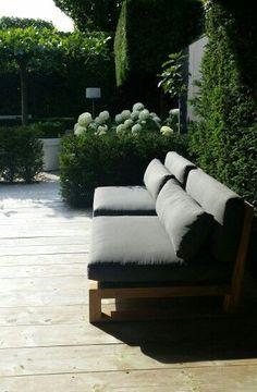 * o u t d o o r * – Es gibt doch nichts Schöneres als im Sommer auf der eigenen Terrasse die Sonne zu genießen. Tolle Gartenmöbel findet ihr auch auf roomido.com #garten #terrasse ähnliche tolle Projekte und Ideen wie im Bild vorgestellt findest du auch in unserem Magazin . Wir freuen uns auf deinen Besuch. Liebe Grüße