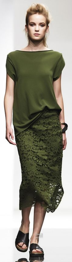 Liviana Conti Spring Summer 2015 Ready-To-Wear collection. I would wear this.