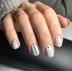 Have you heard of the idea of minimalist nail art designs? These nail designs are simple and beautiful. You need to make an art on your finger, whether it's simple or fancy nail art, it looks good. Nail Art Design Gallery, Simple Nail Art Designs, Short Nail Designs, Best Nail Art Designs, Stripe Nail Designs, Round Nail Designs, Line Nail Designs, Elegant Designs, Round Design