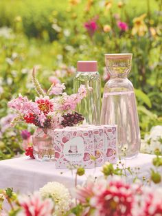 Old Flame, Water Drops, Pomegranate, Berries, Table Decorations, Love, Water With Fruit, Amor, Granada
