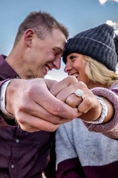 30 Creative Engagement Photo Ideas | Oh So Perfect Proposal Engagement Announcement Photos, Engagement Photo Props, Winter Engagement Photos, Engagement Shots, Engagement Photo Inspiration, Engagement Couple, Engagement Pictures, Engagement Ideas, Country Engagement