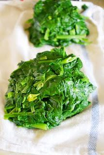 How to Freeze Greens (Spinach, Kale, Chard, Collards, etc.) this will be useful, considering I just bought a Costco sized bag of baby kale.