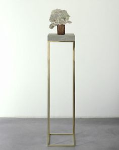 Bronze display stands for Carol Bove Studios. Fabricated by Milgo/Bufkin. Jewelry Store Design, Sculpture Stand, Banquette, Cabinet Decor, Furniture Design, Interior Design, Display Pedestal, Display Stands, Home Decor