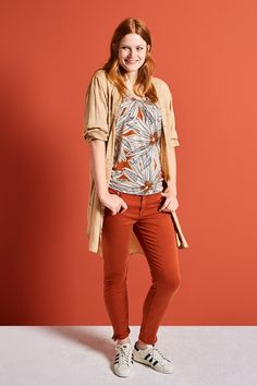 Morning Glow | Fashion | Shirt | Orange | Print | Blouse | Camel | Pants | Orange | Lookbook