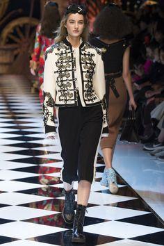 Dolce & Gabbana коллекция | Коллекции осень-зима 2016/2017 | Милан | VOGUE