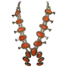 Preowned Vintage Navajo Coral Squash Necklace (7.105 BRL) ❤ liked on Polyvore featuring jewelry, necklaces, drop necklaces, red, beaded chain necklace, red flower necklace, vintage necklace, vintage jewellery and red necklace