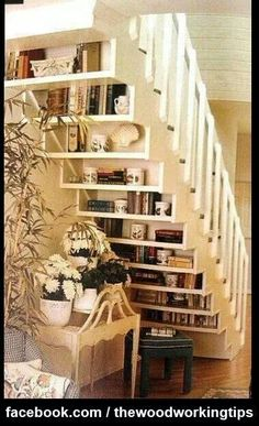 Exposed stair stringer shelves