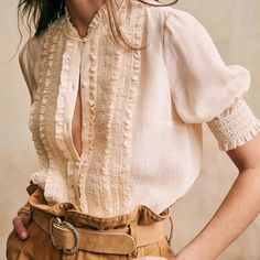 Quirky Fashion, Timeless Fashion, Fashion 2020, Fashion Brands, Smocks, Mannequin, Fashion Pictures, Summer Outfits, Fashion Outfits