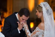 Ph: Marco Costa Photography | Post: APR 23, 2015 - Casamento Vivi & Tato {via Say I do} → http://www.sayido.com.br/casamento-vivi-tato