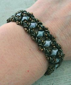 Linda's Crafty Inspirations: Birthday Bracelet 8 - Blue Bell Bracelet