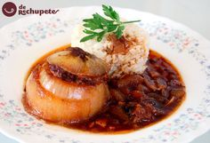 Cebollas rellenas o Cebolles rellenes de bonito. Receta asturiana http://www.recetasderechupete.com/cebollas-rellenas-o-cebolles-rellenes-de-bonito-receta-asturiana/11371/ #receta #derechupete