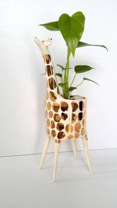 Giraffe-ceramic-pot-planter-candle-gold-Gail-c-ceramics
