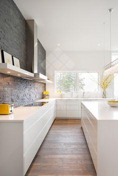 steenstrips in natuursteen, steenstrips natuursteen voor binnen of buiten in moderne keuken