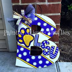 DIY LSU Door Hanger.  Geaux Tigers!  To purchase please visit my etsy page