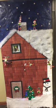 """Up on the Rooftop"" Christmas Door Decorating Contest, Christmas Door Decorations, Holiday Crafts, Holiday Decor, Rooftop, Art Projects, Teacher, Doors, School"