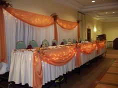 i love the lights under the table cloth