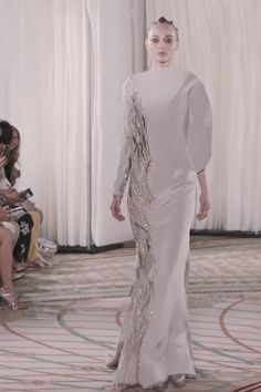 Tony Ward Look Fall Winter Couture Collection Beautiful Embroidered Platinum Asymmetric Mermaid Evening Dress / Evening Gown with Long Sleeves. Fashion Runway by Tony Ward Tony Ward, Mermaid Evening Dresses, Evening Gowns, Couture Fashion, Runway Fashion, Couture Dresses, Fashion Dresses, Saab, Collection Couture