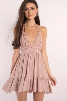 All the sunny feels in this flirty halter sundress. The Rose Rachel Ruffle Plunging Swing Dress is a frill hem dress with a deep v neckline and a sexy Day Dresses, Cute Dresses, Dress Outfits, Casual Dresses, Summer Dresses, Floral Dresses, Winter Dresses, Emo Outfits, Dress Clothes
