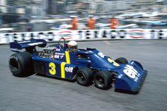Tyrell P34 (1976) - Geniestreich von Konstrukteur Derek Gardner. So sollte einerseits der Luftwiderstand reduziert und der mechanische Grip erhöht werden. Jody Scheckter führ damit in Schweden einen überraschenden Sieg ein.   Die 70er waren das Jahrzehnt der spektakulärsten Inovationen in der Formel 1.   Quelle: http://www.auto-motor-und-sport.de