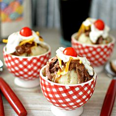 This savory way to serve your leftovers looks like a hot fudge sundae, right down to the cherry tomato on top. Hot Beef Sundae Recipe, Sundae Recipes, Meat Recipes, Cooking Recipes, Grilled Turkey Legs, Fried Butter, Gourmet Caramel Apples, Recipe Creator, Food Now