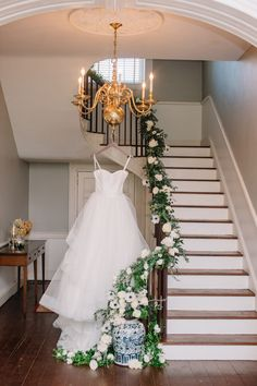 Beautiful sweetheart neckline with lots of volume. View the full wedding here: http://thedailywedding.com/2016/05/28/charleston-chic-wedding-inspiration/