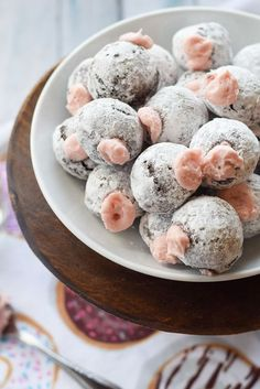 Need a sweet treat for your honey this Valentine's Day? You'll win big if you make these Chocolate Donut Holes with Pomegranate Cream Filling. {gluten free} #recipe #dessert