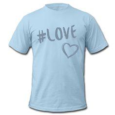 Liebe ist das einzige, das zählt! • Klassisch geschnittenes T-Shirt für Männer