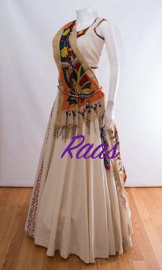 Garba Dress, Navratri Dress, Choli Dress, Half Saree Designs, Choli Designs, Lehenga Designs, Dress Indian Style, Indian Dresses, Indian Outfits