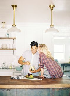 The sweetness of cooking together + the flirtiness of this pose = amazing engagement shoot