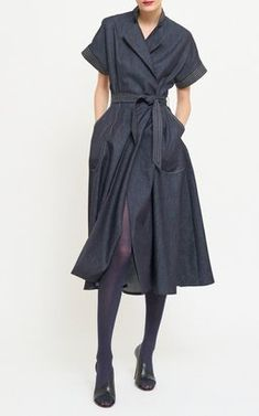 Denim Short Sleeve Shirt Dress by Martin Grant Pre-Fall 2018 - Denim Shirt Dress - Ideas of Denim Shirt Dress Sewing Clothes Women, Dress Clothes For Women, Summer Dresses For Women, Trendy Dresses, Short Sleeve Dresses, Short Sleeves, High Street Fashion, 80s Fashion, Fashion Outfits