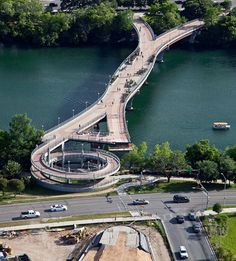 photo of Austin's Pfluger Pedestrian Bridge By Peter Tsai Photography (under construction, May 3rd, 2010)
