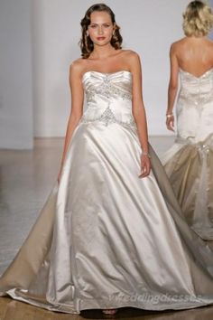 Kleinfeld Bridal carries the largest selection of couture wedding dresses, designer exclusives, plus size wedding gowns, headpieces and accessories. Western Wedding Dresses, 2015 Wedding Dresses, Designer Wedding Dresses, Wedding Dress Gallery, Wedding Dress Pictures, Plus Size Wedding Gowns, Wedding Dress Sizes, Traditional Wedding Dresses, Ball Gowns