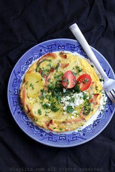 Spanish tortilla with ham - Laylita's Recipes Tapas Recipes, Egg Recipes, Pork Recipes, Paleo Recipes, Cooking Recipes, Good Morning Breakfast, Breakfast For Dinner, Plats Latinos, Ham Dinner