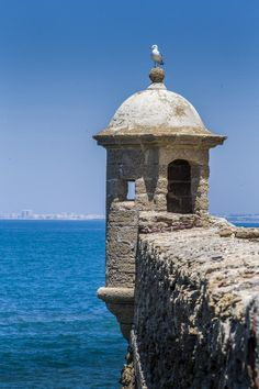Castillo de Santa Catalina, Tarifa, España The Places Youll Go, Places To Go, Cadiz, Andalusia, What A Wonderful World, Travel List, Study Abroad, Malaga, Wonders Of The World