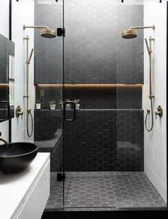 Either you have a small bathroom or master bathroom. This guide will help you to renovate them efficiently. It is all about Renovating a Bathroom Ideas. Modern Bathroom Design, Bathroom Interior Design, Design Bedroom, Design Kitchen, Bathroom Designs, Kitchen Ideas, Modern Design, Appartement Design, Black Shower