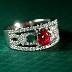 VIVIDレッドスピネル1ct ダイヤモンド0.44ct プラチナ リング(指輪) red spinel  http://www.rejou.jp/?pid=98457175