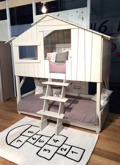 MiPetiteLife.es - Alfombra Lilipinso rayuela para habitación de niños. De terciopelo corto y tupido H.10-11mm. 100% algodón tejido a mano 2200g/m2. www.MiPetiteLife.es