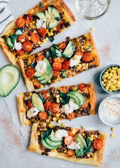 114 grafik o veg 🌿 w We Heart It Love Food, A Food, Food And Drink, Vegan Food, All You Need Is, Italian Pasta Recipes, Vegetarian Recipes, Healthy Recipes, Fast Dinners