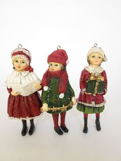From Gisela Graham. Here we have a set of 3 traditional victorian style tree decorations. featuring little children all wrapped up for Christmas. Gisela Graham Christmas Decorations, Christmas Ornaments, Victorian Fashion, Vintage Fashion, Vintage Style, Three Kids, Vintage Children, Tree Decorations, Vintage Christmas