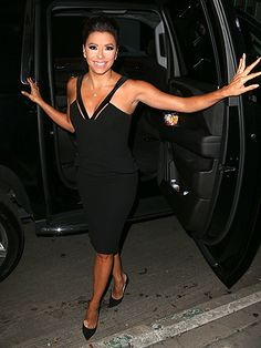 Star Tracks: Friday, September 18, 2015 | STEPPING OUT  | Eva Longoria makes a grand entrance at Thursday's 15th Annual Padres Contra El Cáncer fundraiser in Hollywood.