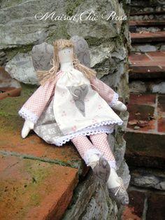 Rosaline Angel by http://chic-rose.blogspot.it