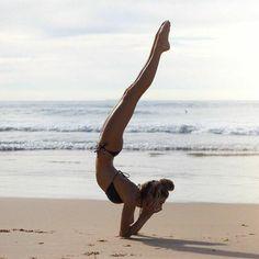 Yoga handstand photography beautiful namaste Ideas for 2019 Pranayama, Yoga Meditation, Yoga Flow, Pilates Training, Pilates Workout, Workouts, Handstand Training, Outdoor Yoga, Yoga Inspiration