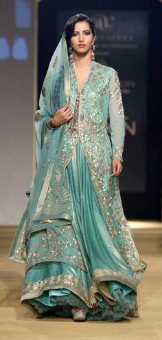Sneak Peek: Old Delhi Inspires Ashima & Leena Collection for India Bridal Fashion Week 2013 Pakistan Fashion, India Fashion, Ethnic Fashion, Asian Fashion, Look Fashion, Fashion Tips, Pakistani Couture, Pakistani Bridal, Pakistani Outfits